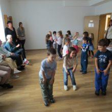 Medzigeneračné stretnutie detičiek a našich seniorov
